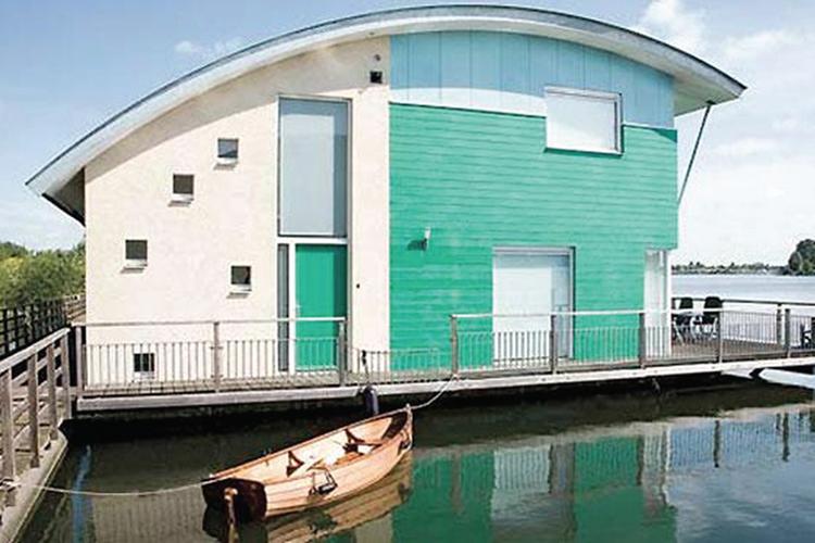 konstruksi arsitektur amfibi