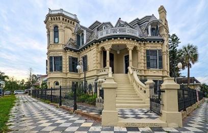 rumah gaya klasik